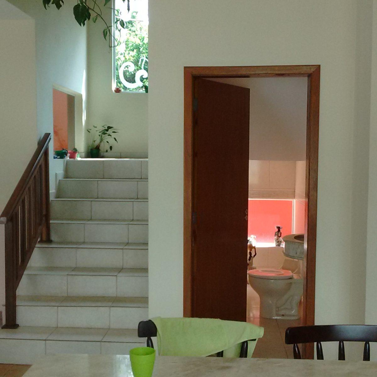 Ref.: R$ 700.000,00 Casa de 6 dorm. e linda área de lazer (80439)