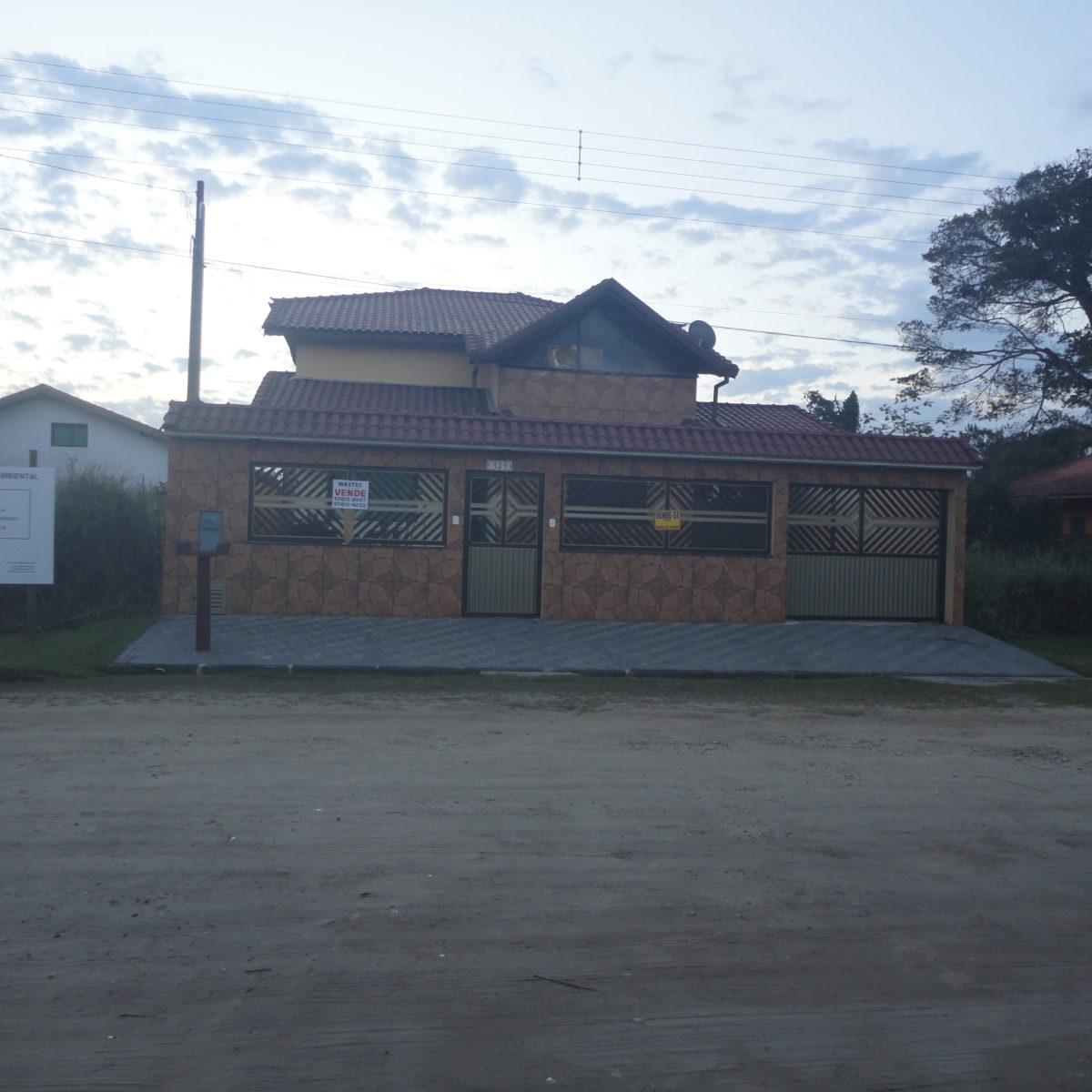 Ref: R$450.000,00 Casa 3 Dormitórios, Uma Suite e Edícula (81231)