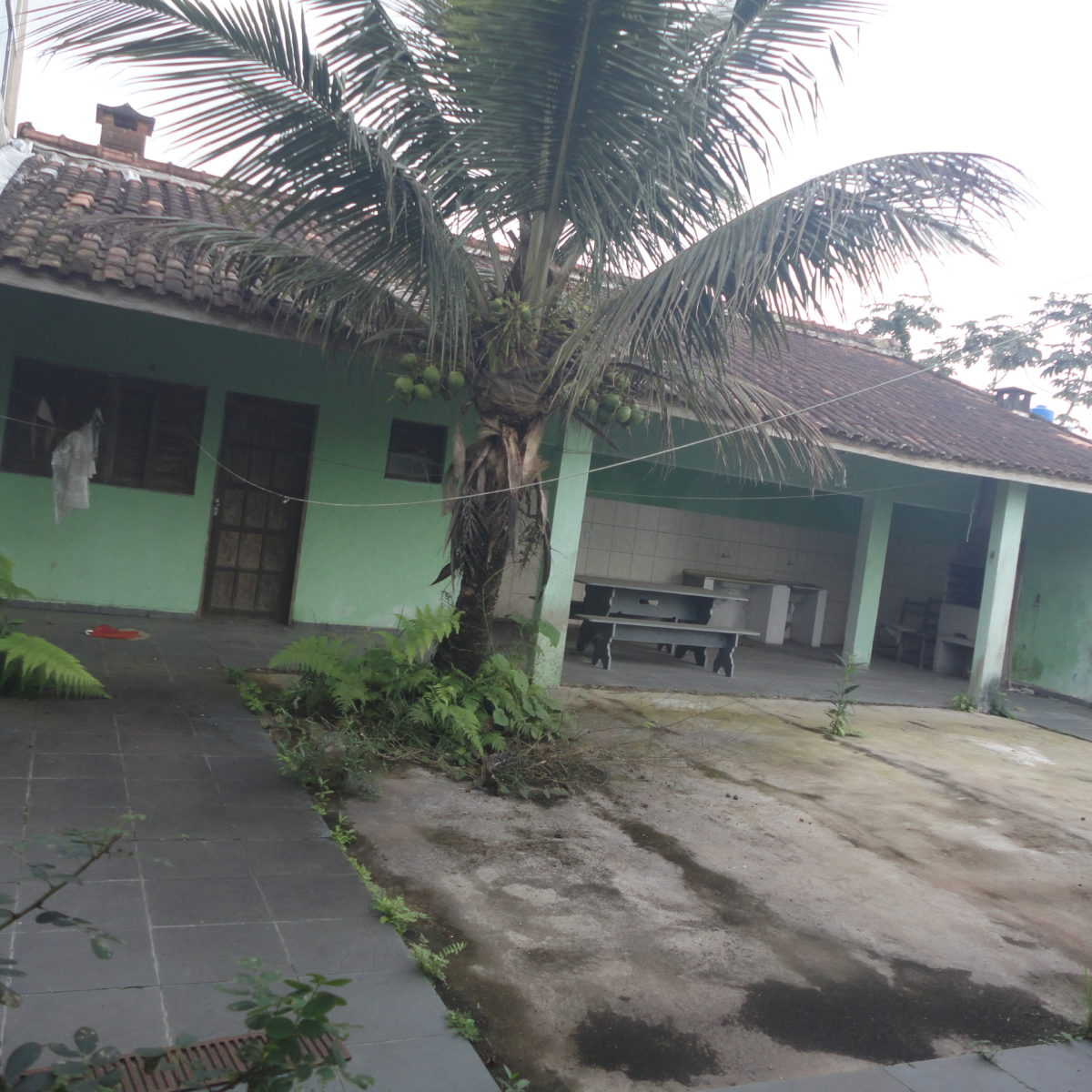 Ref.:  Casa Térrea 3 Dormitórios, Edícula com Ótima localização (80998) VENDIDA